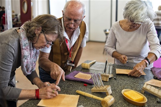 Atelier repoussage sur cuir avec Denis Dupas